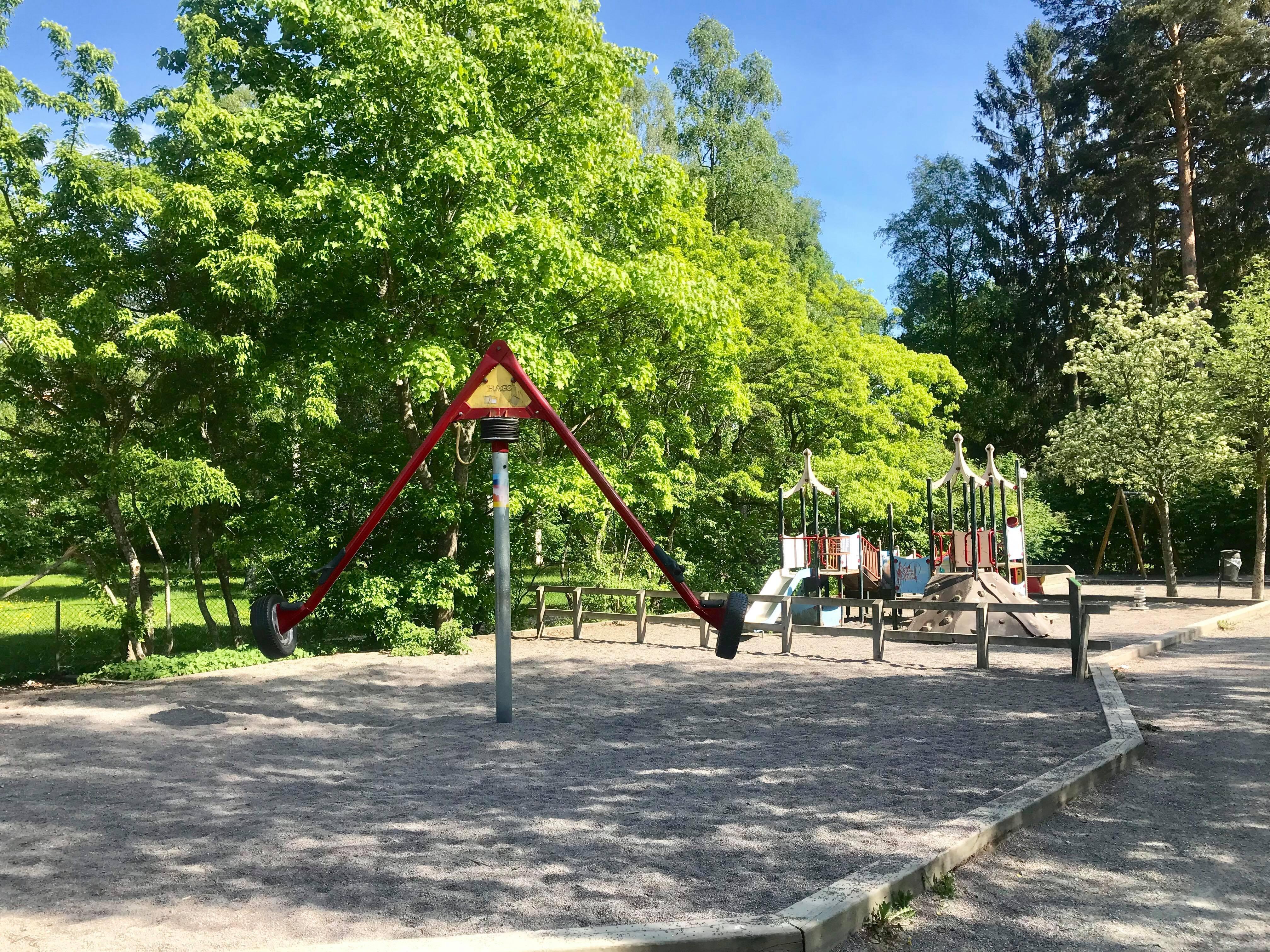 Allmän lekplats i närheten